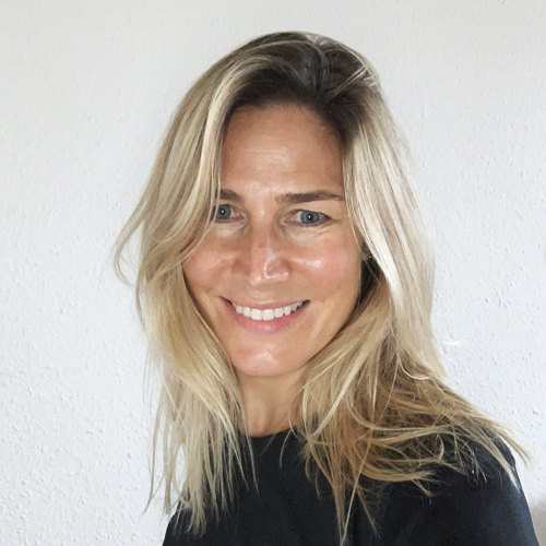 https://www.avironvesenaz.ch/wp-content/uploads/2020/11/Camilla-1.jpg